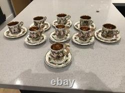 Ensemble De Café Vintage Porcelain Capo DI Monte. 9 Tasses Et Sauces