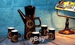 Vintage Denby 1970' Arabesque Stoneware Café Ensemble De 6 Tasses, Soucoupes, Cafetière