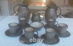 Vintage Michael Leach Yelland Pottery 6 Personne Ensemble De Café Avec Deux Cafetières