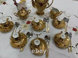 Vintage Stunning Made In Italy 22 K Gold Avec Un Ensemble De Café Red Stone. Magnifique